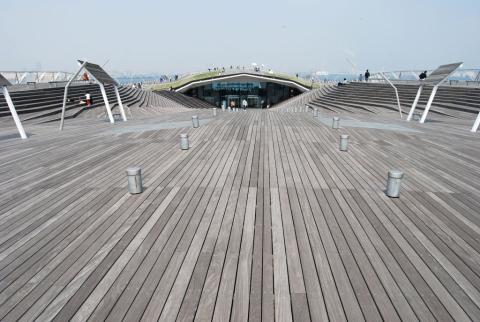 Yokohama International Passenger Terminal, Foa