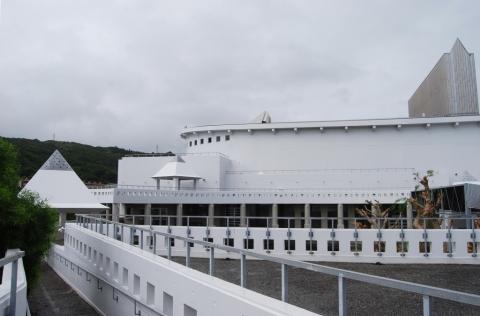 Sugar Hall, Yoshikazu Makishi