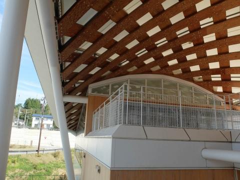 gare d'Onakawa / Yupoppo, Shigeru Ban